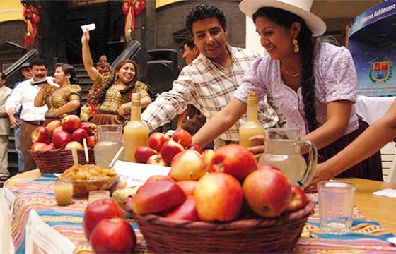 Exposición-de-manzanas-feria-de-la-manzana