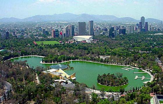 Vista de la zona de Chapultepec Bosque y lago