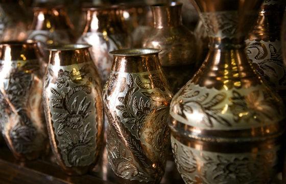 Artesanías hechas de cobre. Feria del obre, Michoacán.