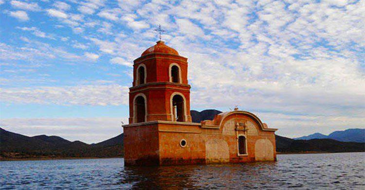 Iglesia de Morelia bajo el agua