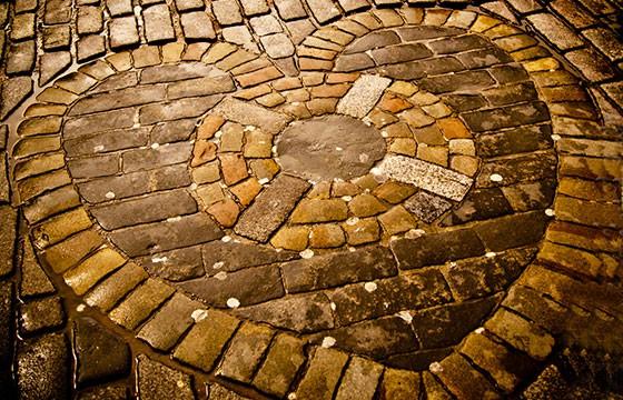 El corazón en el pavimento, Reino Unido. Lugares que dan suerte.