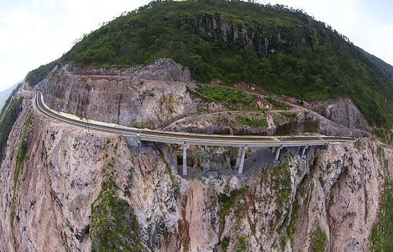 Espinazo del Diablo, México. Carreteras más extremas-peligrosas del mundo.