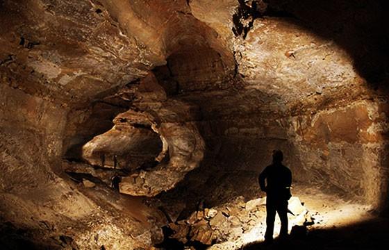 La Krubera-Crow, o Cueva Krubera, Georgia. Lugares más extremos del mundo.