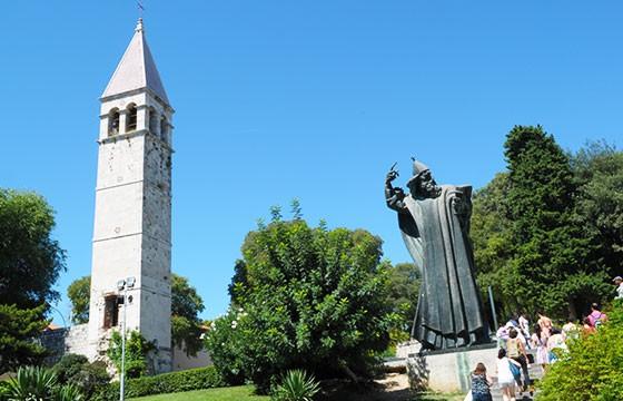 Estatua de la suerte Grgur Ninski