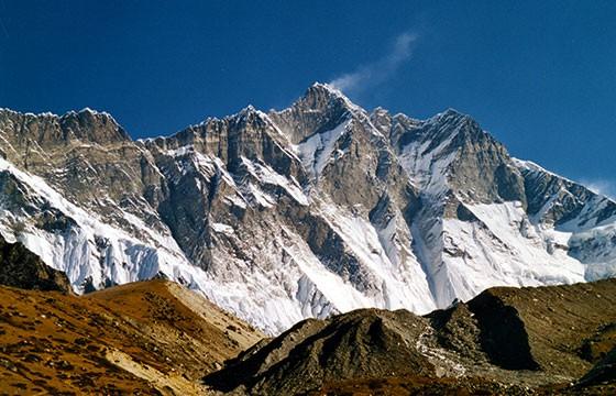 Montaña Lhotse. Las montañas más altas del mundo.