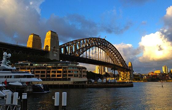 Vista del puente en la Bahía de Sidney Australia