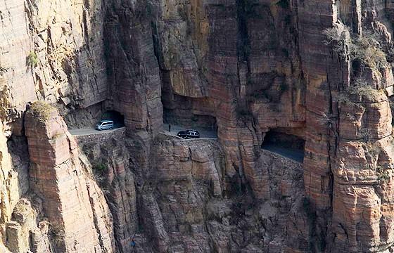 Túnel de Guoliang, China. Carreteras más extremas-peligrosas del mundo.