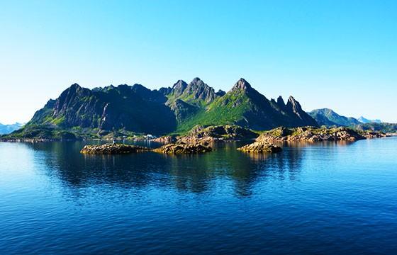 Vista de la cácerl Isla Noruega