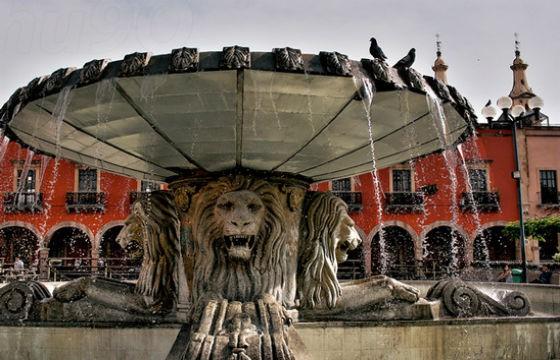Vista de fuente de León, Centro Histórico