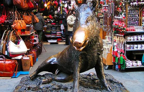 Escultura porcellino en Italia