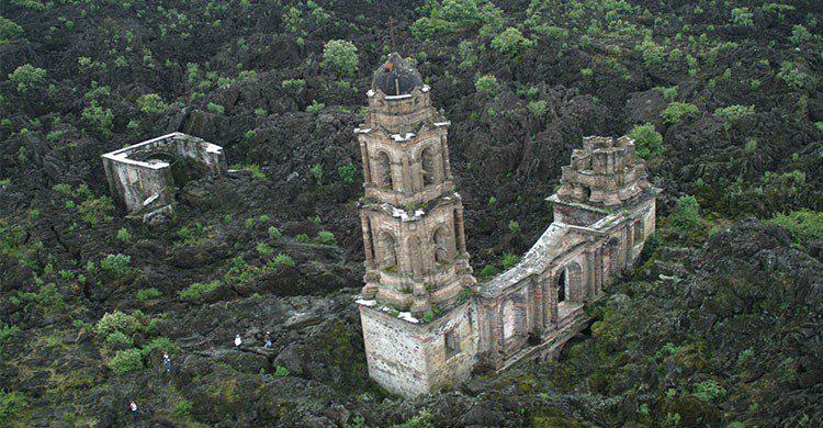 Templo sepultado en Parangaricutiro