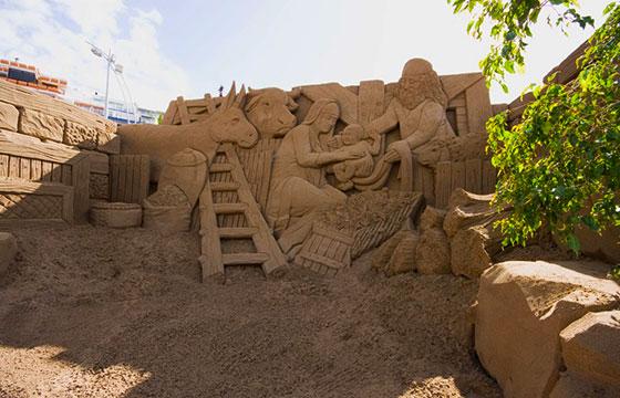 Nacimiento de Jesús hecho de arena