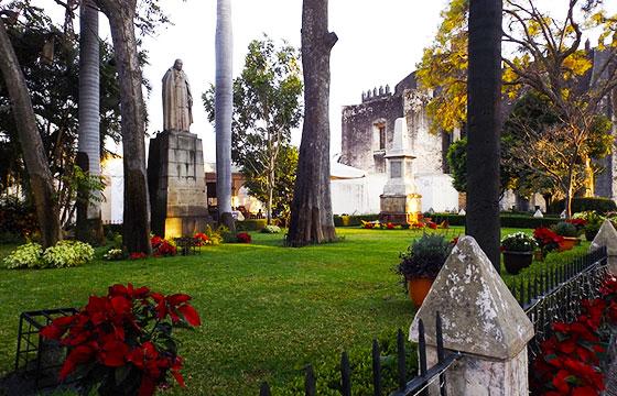 Catedral de Cuernavaca La Asunción de María Ex Convento Franciscano,Cuernavaca,Estado de Morelos,México-Enrique López-Tamayo Biosca-Flickr