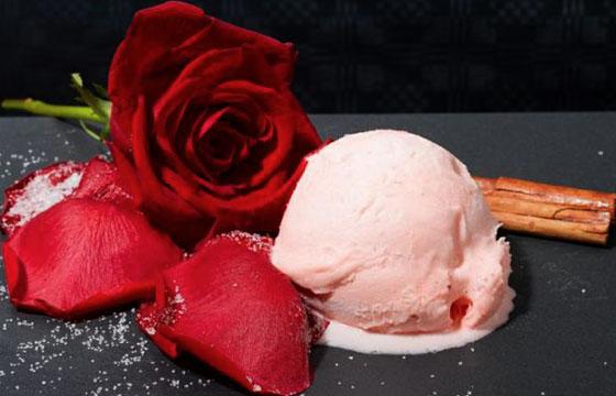 Nieve pétalos de rosa