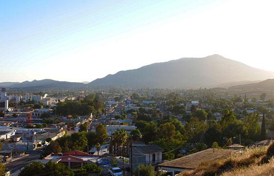 Tecate soleado-Gabriel Flores Romero-Flickr