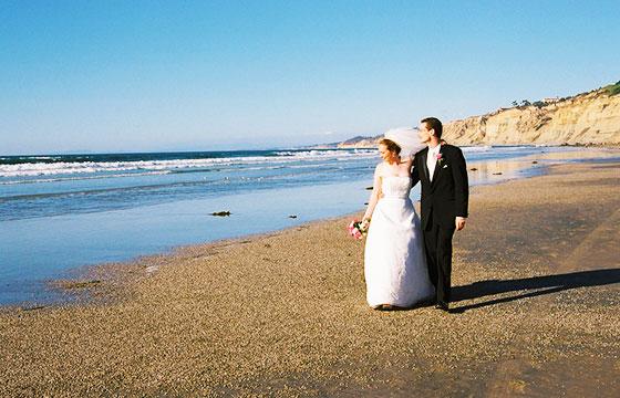 Walking south on the beach III-Editada-Madeleine Ball-http://bit.ly/1U9cMu7-Flickr