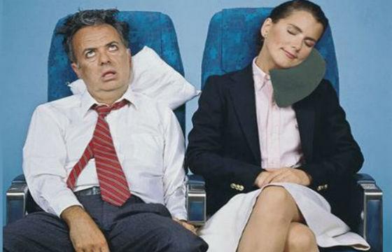 personas en avión