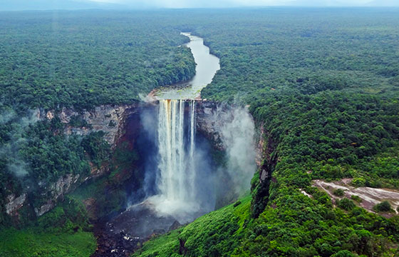 Kaieteur Falls From Plane Guyana-amanderson2-Flickr