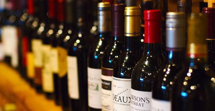 Wine-Editada-Jeff Kubina-http://bit.ly/1sCfxbw-Flickr