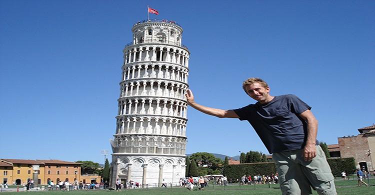 torre inclinada de Pisa, en Italia