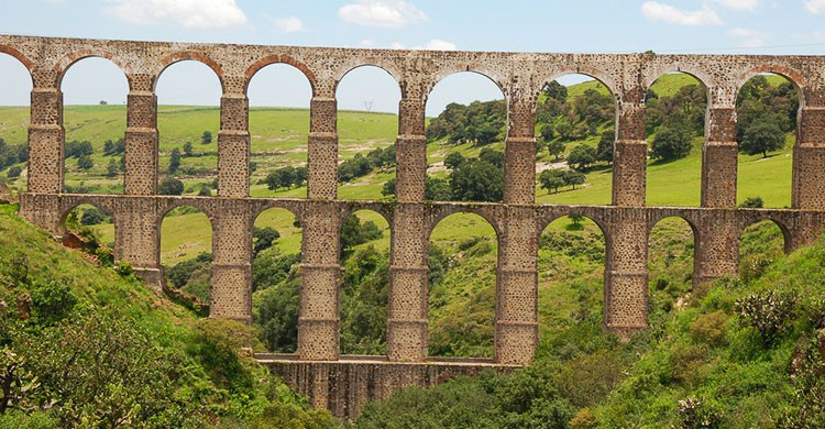 Aqueduct Arcos del Sitio