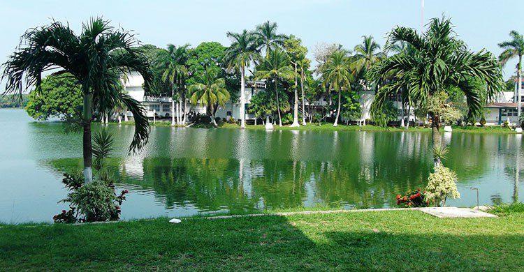 Laguna de las Ilusiones, UJAT, Villahermosa, Tabasco.