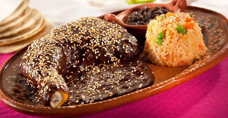 Mole (típico de Puebla y Oaxaca)