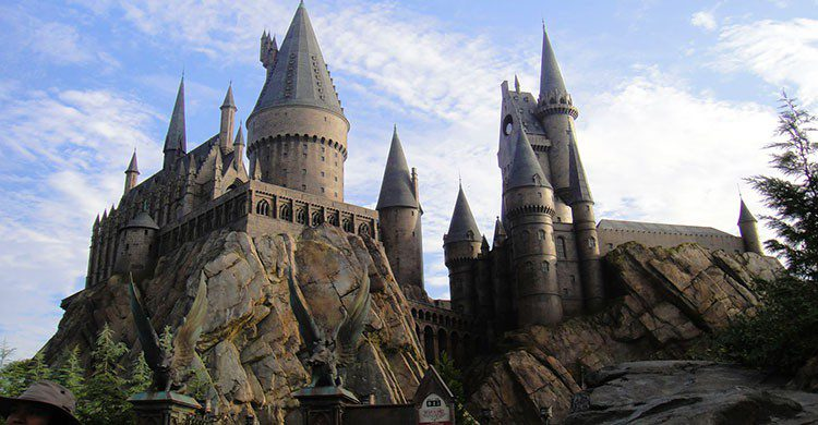 The Conmunity - Pop Culture Geek-Wizarding World of Harry Potter - Hogwarts castle-Flickr