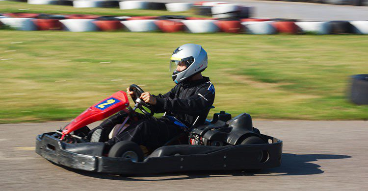 Go-karting-Editada-Andy Rogers-http://bit.ly/2dxcf3e-Flickr