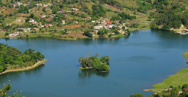 Laguna de Atezca