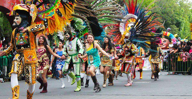 Desfiles por las avenidas de Tlaxcala