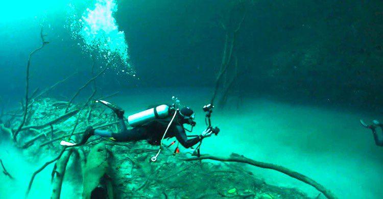 Río bajo el agua en Tulum
