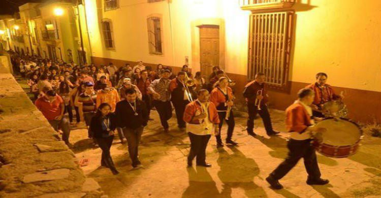 BAnda por las calles de Zacatecas