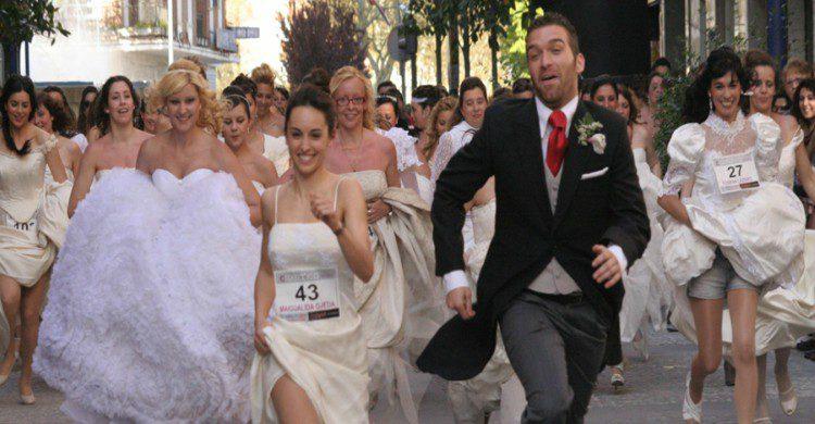 Carrera de novias y novios