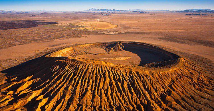 Volcán en escudo