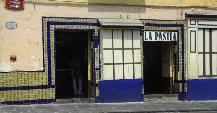 Entrada al local La Pasita