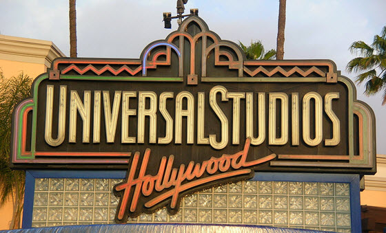 560px-Universal_Studios_Hollywood_sign_2