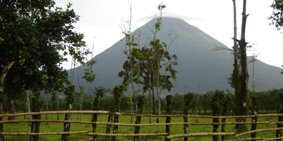 560px_Volcan_Arenal