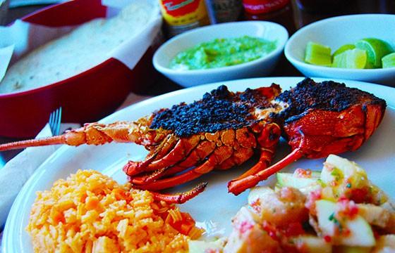 Puerto Nuevo, capital de la langosta en Baja California
