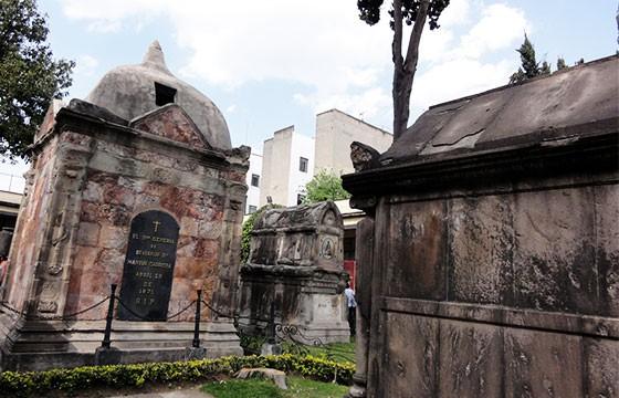 Panteón de San Fernando. 6 panteones famosos en México.