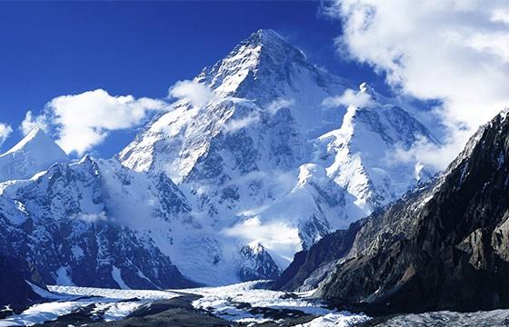 Monte Everest. Destinos que visitar para ser más feliz.