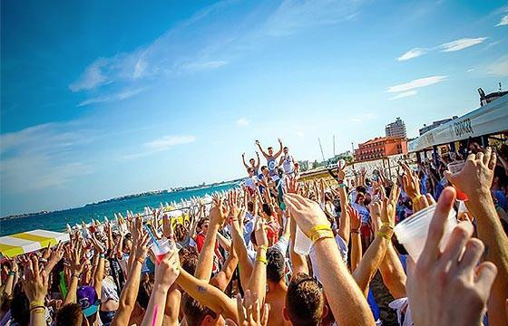 Rimini, Italia. Playas para ir a bailar en el mundo.