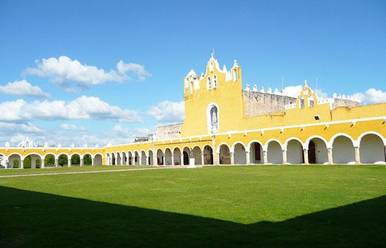 Convento de San Antonio de Padua, Izamal, Yucatan-Editada-Randal Sheppard-http://bit.ly/1VJa2AQ-Flickr