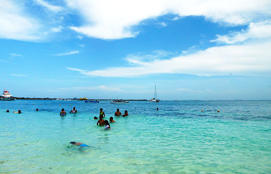 Playa Norte Beach-Editada-Kirt Edblom-http://bit.ly/1RWl5Gi-Flickr