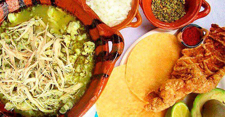 Pozole (típico de Guerrero)