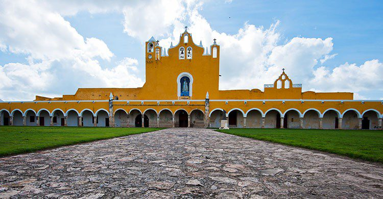 Izamal - yellow city - Mexico-5-Flickr-Christopher William Adach-editada-http://bit.ly/2dPZRLA