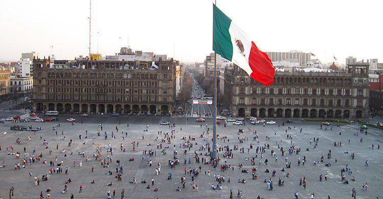 zocalo-ciudad-mexico-flickr-* CliNKer *-editada-http://bit.ly/2dYRX2K