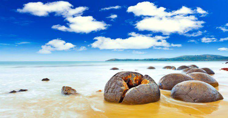 Playa con huevos de dragón