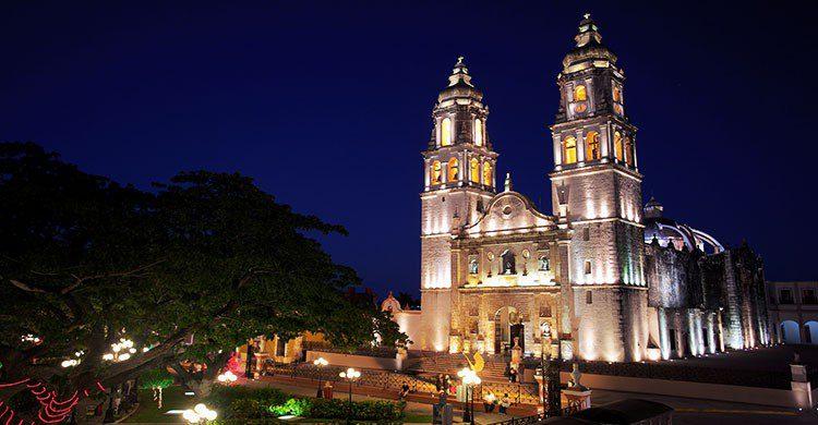 Flickr-Cathedral of Campeche-Jiuguang Wang-editada-http://bit.ly/2kTNnZP