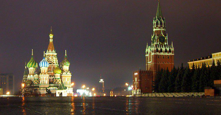Plaza roja de Moscú de noche